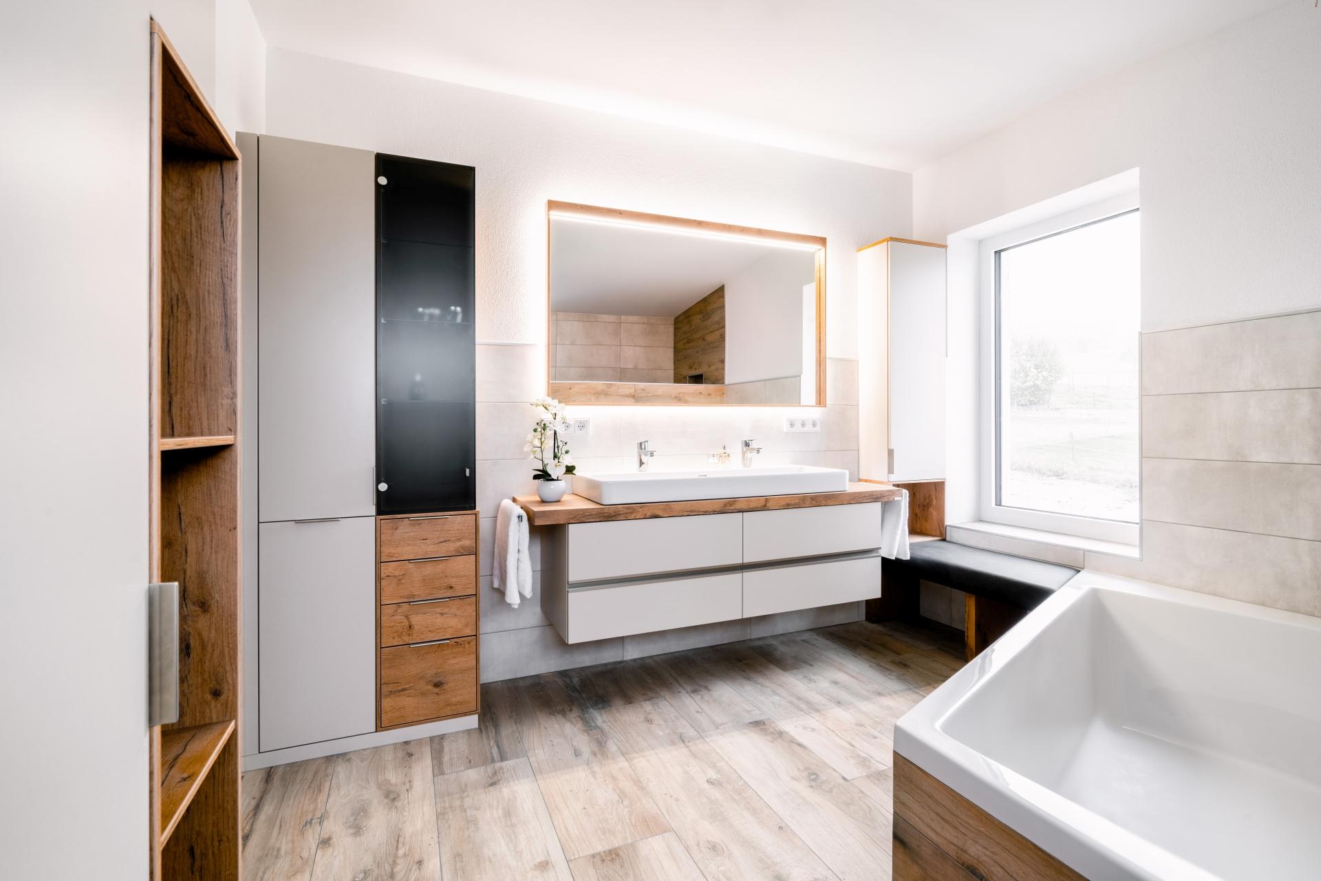 Badezimmer von Böhm Möbel: Bad-Möbel kaufen nahe Freistadt