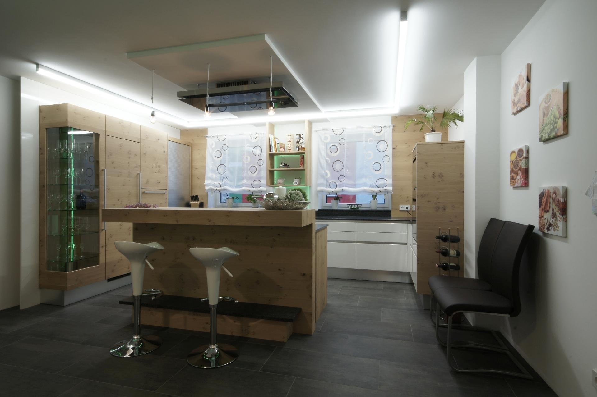 Küche HAU - Haus & Wohnen - REFERENZEN - boehmmoebel.at