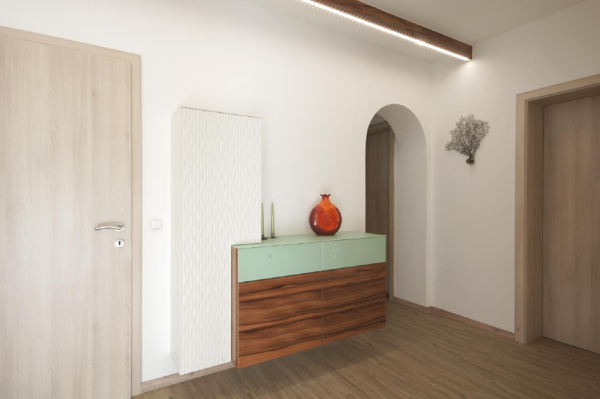 vorzimmer einrichtung vom tischler b hm m bel freistadt. Black Bedroom Furniture Sets. Home Design Ideas